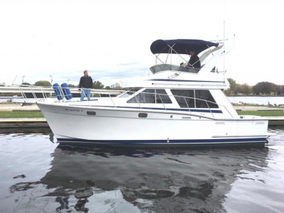 1989 Tollycraft 34' Sport Sedan for sale in Menominee, Michigan at $68,500