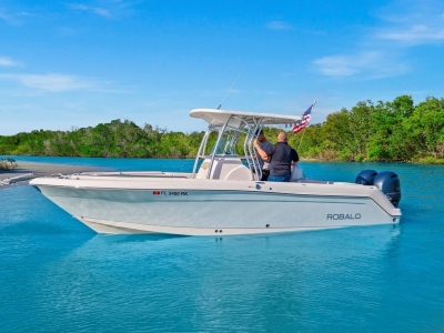 2016 Robalo R260 for sale in Fort Pierce, Florida at $99,500