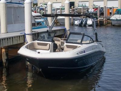 2017 Bayliner VR5 Outboard for sale in Fort Lauderdale, Florida at $29,999