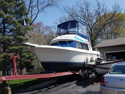 Power Boats - 1989 Carver 54 Voyager for sale in Waukegan, Illinois at $15,000