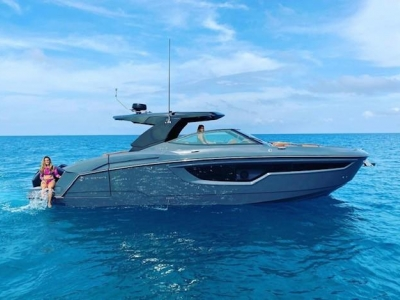 2021 Cruisers Yachts 38 GLS for sale in Fort Lauderdale, Florida