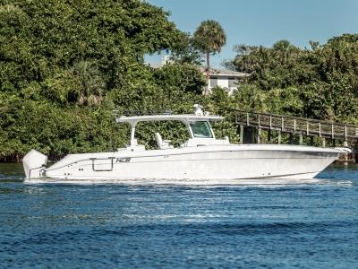 Power Boats - 2021 HCB 42 LUJO DEMO for sale in Jupiter, Florida