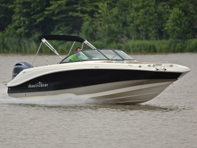 2017 NauticStar 223 DC for sale in Little Rock, Arkansas at $59,900