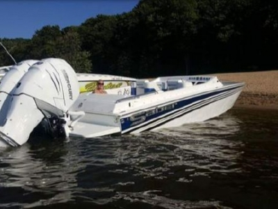 2017 Offshore Yachts 28 Saber Outboard for sale in Grand Haven, Michigan at $129,900