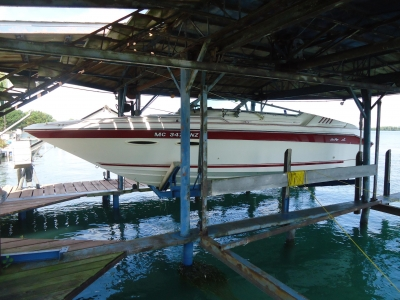 1989 Sea Ray 260 Overnighter for sale in Wyandotte, Michigan at $9,900