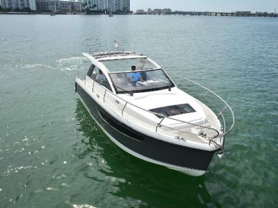 Power Boats - 2019 Sealine S330 for sale in Sunny Isles Beach, Florida at $309,000