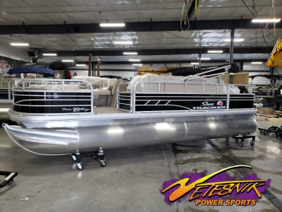 2020 Sun Tracker Fishin' Barge 20 DLX for sale in Richland Center, Wisconsin at $26,960