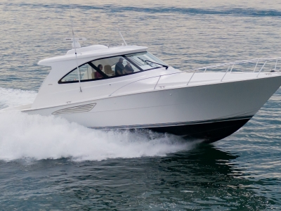 Power Boats - 2021 Viking 44 Sport Coupe for sale in St. Clair Shores, Michigan