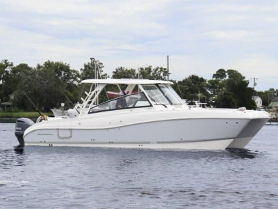 Power Boats - 2021 World Cat 325 DC for sale in Naples, Florida